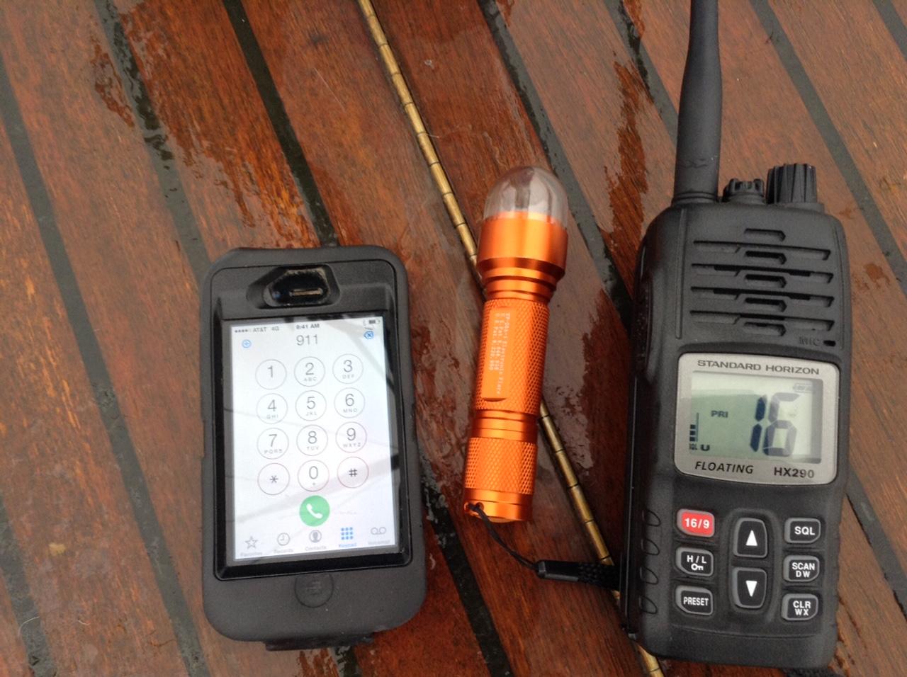 Electronic signal flares